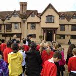 Photonews: Middle School go to Ufton Court